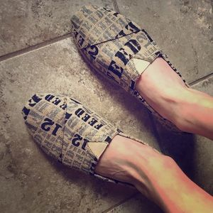 'Feed 12' printed Toms